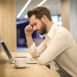 Conheça as principais diferenças e causas do turnover e absenteísmo